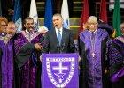 """Obama �piewa """"Amazing Grace"""" na pogrzebie pastora. Mocny, emocjonalny apel przeciw rasizmowi [WIDEO]"""