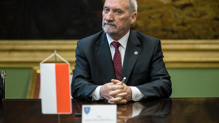 Mnister obrony narodowej w Antoni Macierewicz