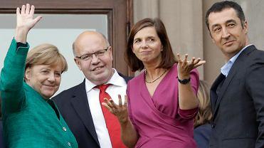 Angela Merkel i Peter Altmaier z CDU, w towarzystwie dwóch współprzewodniczących Zielonych Katrin Goering-Eckardt i Cema Ozdemira