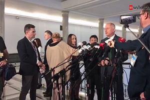Kogo odwiedza Mariusz Kamiński w TK? Sędziów czy podwładnych? Konferencja PO