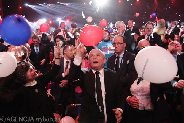 Sonda� TNS Polska: PiS nieznacznie wyprzedza PO