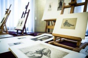 Zrabowane w czasie wojny cenne grafiki wr�ci�y do Polski