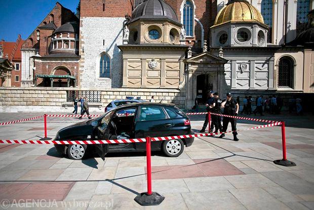 Seat ibiza, kt�rym na Wawel wjecha� 48-latek z siekier�