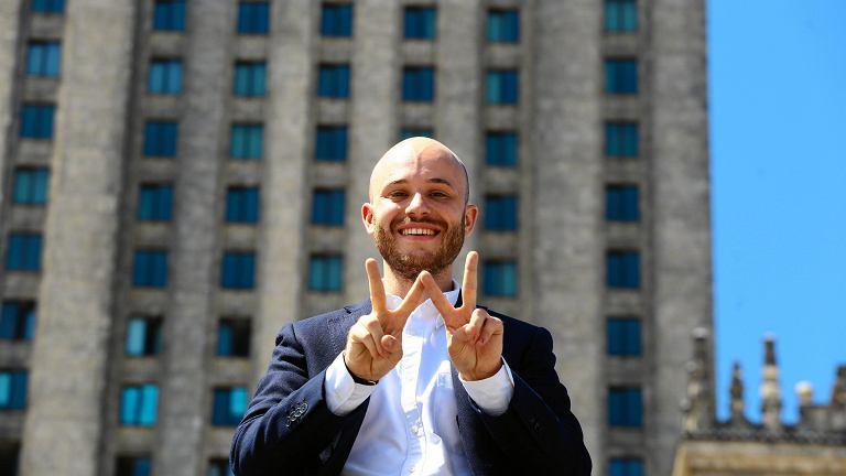 Jan Śpiewak, kandydat na prezydenta Warszawy pod Pałacem Kultury, lipiec 2018