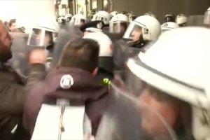 Strajk rolnik�w w Atenach: Policja u�y�a gazu �zawi�cego