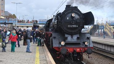 Pociąg prowadzony przez parowóz BR03 z okazji 170 lat linii Szczecin-Tantow