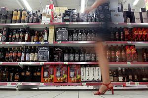 Biznes alkoholowy zarabia na ludzkiej tragedii [LIST]