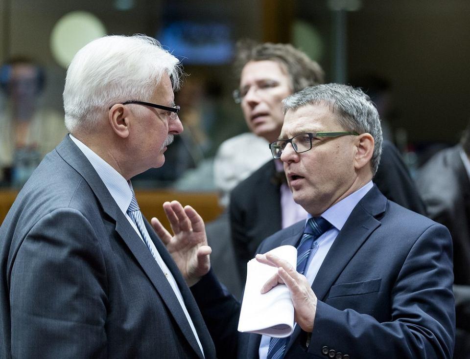 Szef czeskiego MSZ Lubomir Zaorálek i Witold Waszczykowski na spotkaniu ministrów spraw zagranicznych UE, Bruksela 18.01.2016