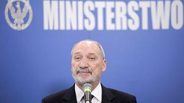 Minister Obrony Narodowej Antoni Macierewicz, 2016 r.