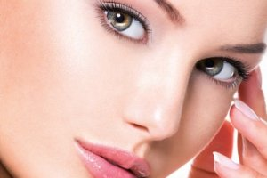 Kosmetolog radzi: jak pozbyć się przebarwień i jak pielęgnować cerę skłonną do zmian pigmentacyjnych