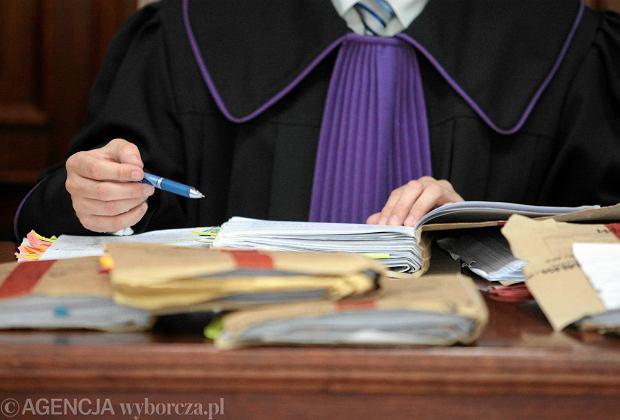 Prokuratura z�ama�a karier� s�dziego. P� miliona z�otych odszkodowania