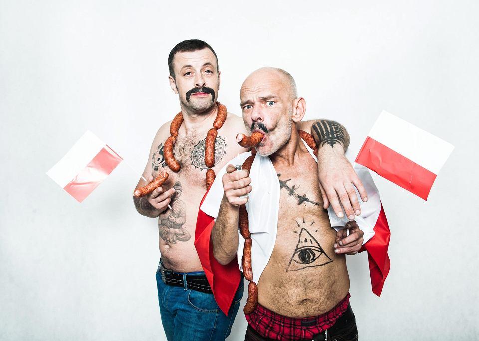 Tymon Tymański i Robert Brylewski, sesja do filmu 'Polskie gówno'