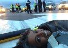 Leżący protest na lotnisku Heathrow. Aktywiści zablokowali pas startowy