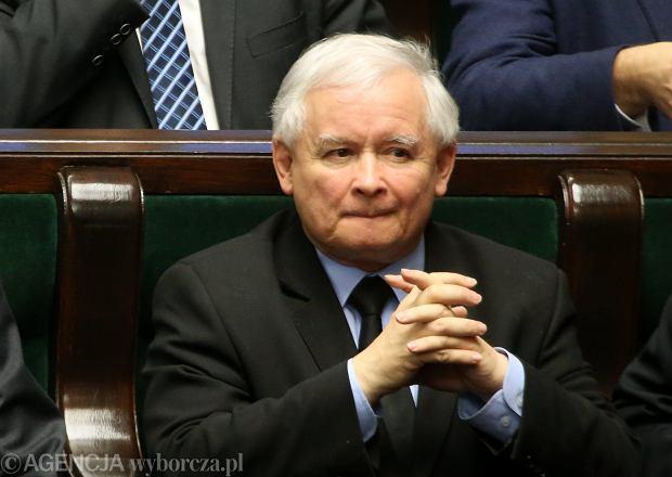 Jaros�aw Kaczy�ski podczas bloku g�osowa� 30 grudnia 2015 roku