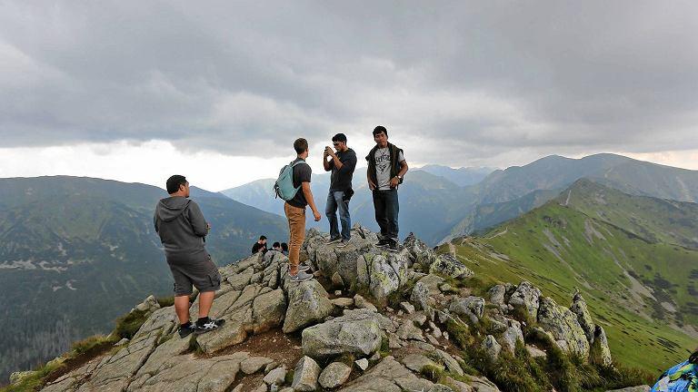 Turyści na Kasprowym Wierchu