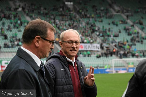 Trener Jan Urban (z lewej) i Franciszek Smuda