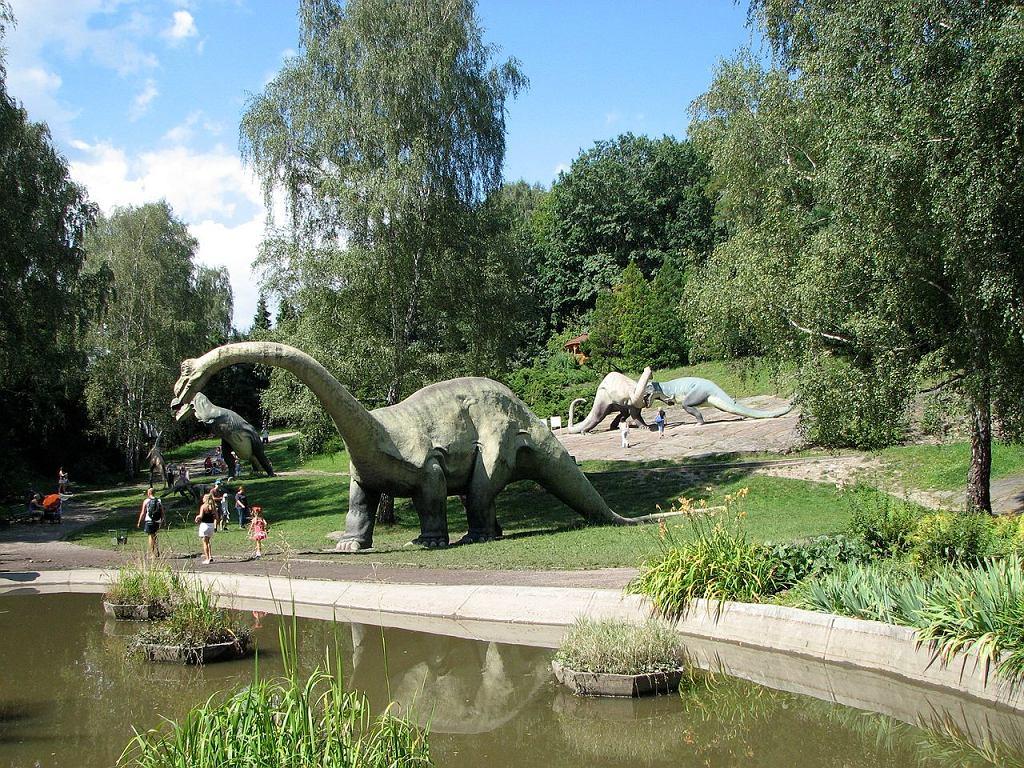 Kotlina Dinozaurów, Śląski Ogród Zoologiczny w Parku Śląskim w Chorzowie / Fot. Abraham, CC BY-SA 3.0