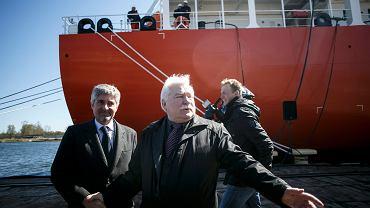 Lech Wałęsa podczas chrztu statku Syn Antares w Stoczni Gdańsk