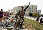 Nowa rzeźba w parku na Bródnie. Portret mieszkańców stworzony pod okiem Althamera