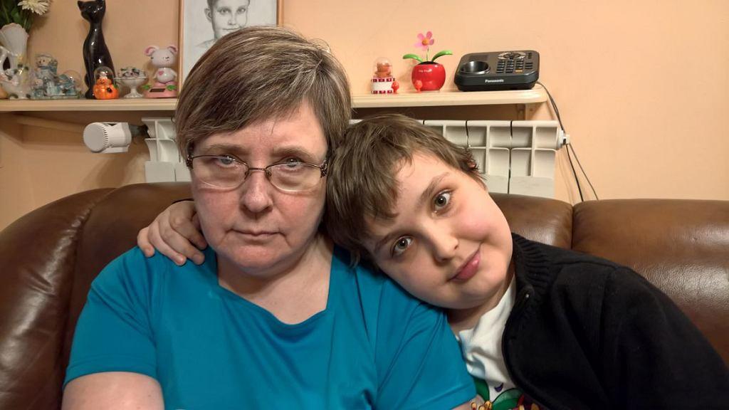 Kamil z mamą (fot. archiwum prywatne)