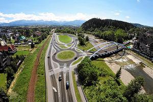 """Mostu w Poroninie nie będzie, bo """"zasłaniałby gościom pensjonatu widok na góry""""?"""