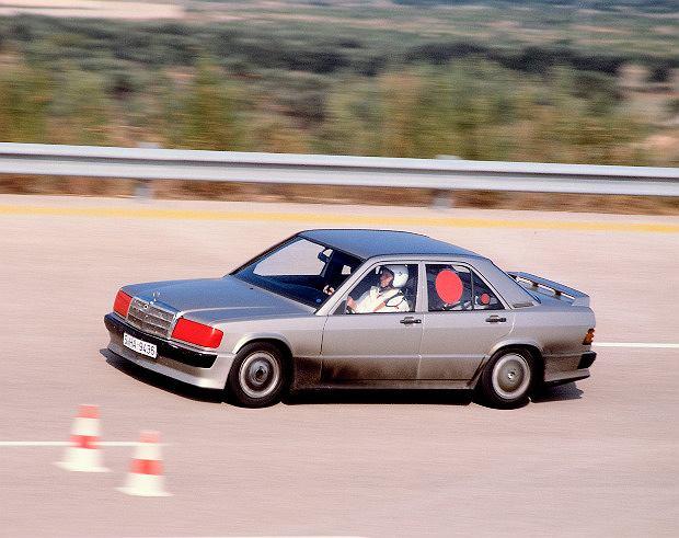 Mercedes-Benz 190 E: 50 tys. km w 201 godzin!
