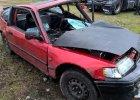 Honda dachowała w rowie. Trzy osoby zostały ranne [ZDJĘCIA]