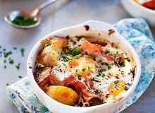 Ziemniaki pieczone z jajkiem, prosciutto i chilli - ugotuj