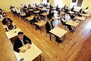 Egzamin gimnazjalny 2015. Mamy arkusze! Piramidy i opowiadanie podbijają Twittera