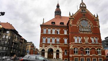 II LO im. Mickiewicza w Katowicach to  najlepsze liceum w województwie śląskim w 2016 roku według rankingu Perspektyw