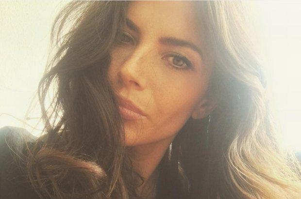 Weronika Rosati pokazała, że można być młodą mamą i wyglądać przy tym uwodzicielsko i seksownie. Niektórym się to jednak nie spodobało.