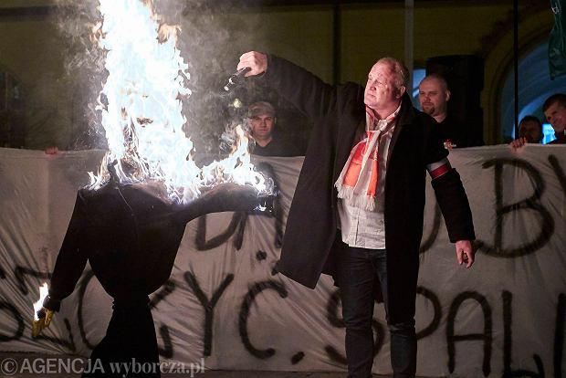 Zdjęcie numer 1 w galerii - Rosną nastroje antysemickie i islamofobia. Wszystko przez mowę nienawiści...