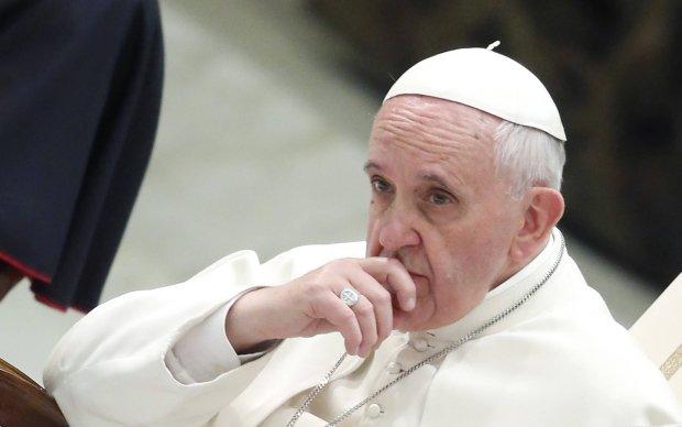 Papie� do m�czyzn i kobiet mafii: Nawr��cie si�, prosz� na kolanach