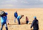 Czterolatek z Syrii przemierza� pustyni� oddzielony od rodziny
