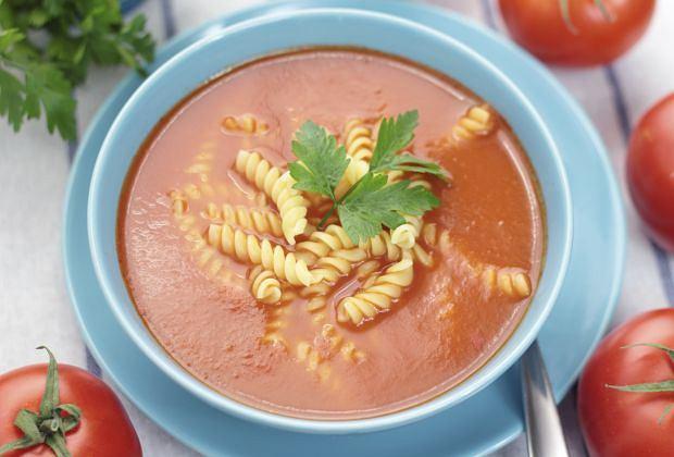 Zupa pomidorowa. Jak zrobić pomidorówkę?