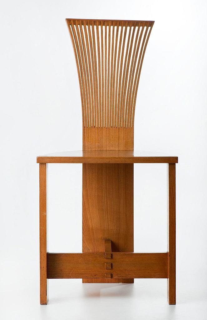 Krzesło 'Piórko'; ok. 1936, Jan Kurzątkowski, Spółdzielnia Artystów 'Ład'. Galeria Wzornictwa Polskiego w Muzeum Narodowym / MICHAŁ KORTA