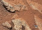 Zdj�cie powierzchni Marsa, na kt�rym wida� kamienie uformowane przez wod�