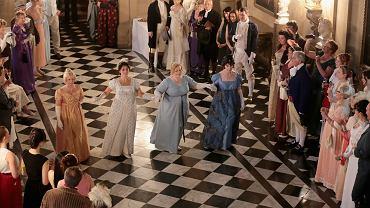 Bal w Chatsworth House (uważanym za pierwowzór Pemberley, domu pana Darcy'ego) z okazji okrągłej rocznicy pierwszego wydania 'Dumy i uprzedzenia'