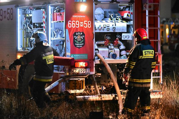 Pożar od petardy i ogień w Łomiankach. Według straży pożarnej Sylwester był spokojniejszy niż rok temu