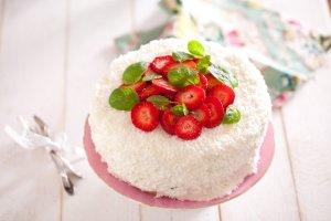 B�yskawiczny tort limonkowy. �wie�y i lekki pomys� na wiosenne s�odko�ci