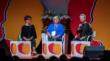 Jolanta Kwaśniewska, Anna Komorowska, Dorota Warakomska na IX Kongresie Kobiet