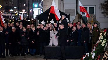 Nerwowe obchody miesięcznicy smoleńskiej na Krakowskim Przedmieściurf