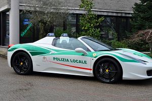 Ferrari 458 Spider  Od gangsterów do policji