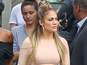 Doda w takiej samej sukience co Lopez. Kt�ra lepiej?