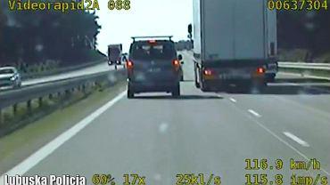 Niebezpieczny manewr kierowcy ciężarówki
