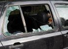 Pies zamkni�ty w samochodzie. I to prze