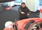 Napad na bank przy ul. Kr�lewskiej - oto zapis z monitoringu