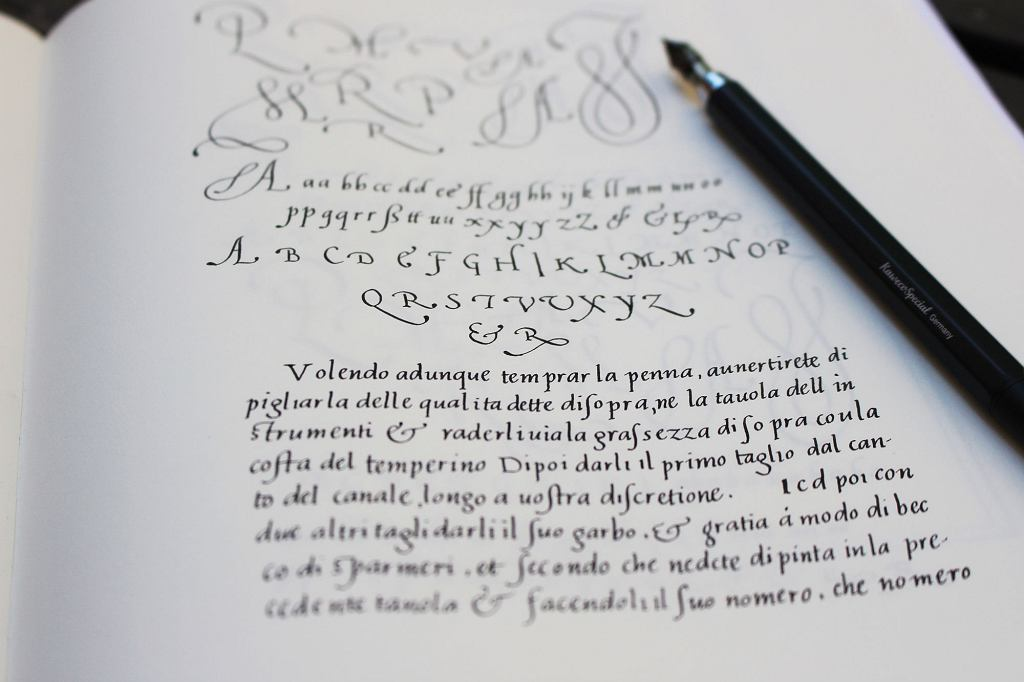 Kaligrafia, italika / Ewa Landowska