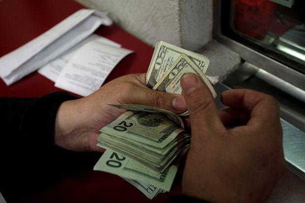Dolar pnie się w górę. Kurs doszedł do 4,20 zł