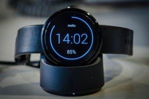 Lenovo wstrzymuje się z premierą nowego Moto 360. Koniec inteligentnych zegarków?